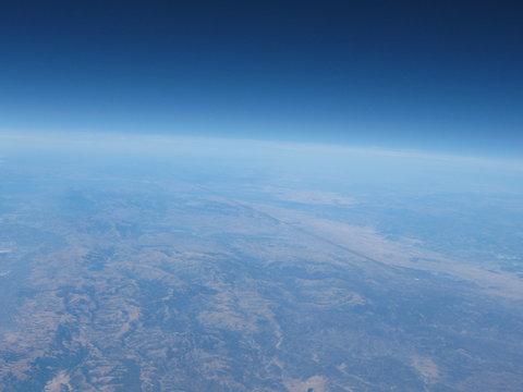 高中生探空气球接近大气层边缘